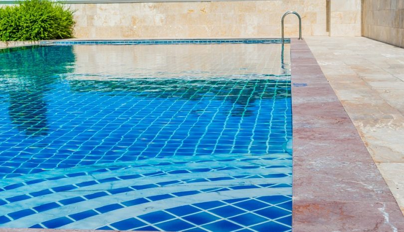 Top Tips For Positioning And Sizing Your Maintenance-Free Pool