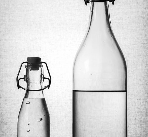 Benefits And Brands Of Reusable Glass Water Bottles