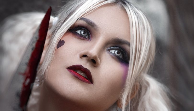Dos And Don'ts For Wearing Cosplay Contact Lenses For The First Time