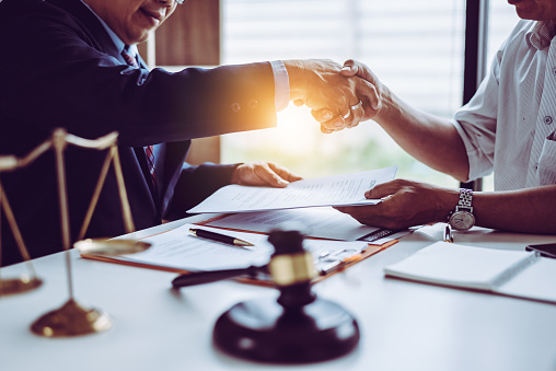 How A Global Law Firm Functions?