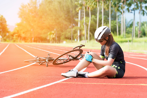 How To Treat Your Cycling Knee Pain