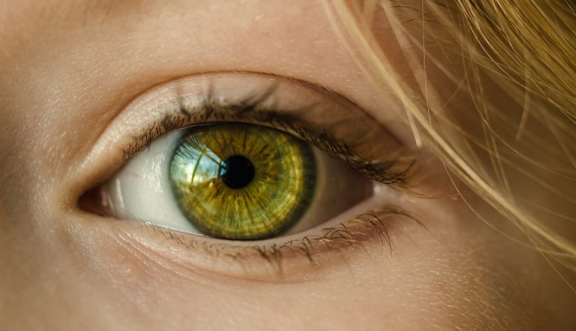 How To Choose The Best Colored Contact Lens