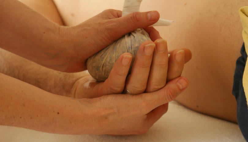Why You Should Take A Hand Reflexology Course