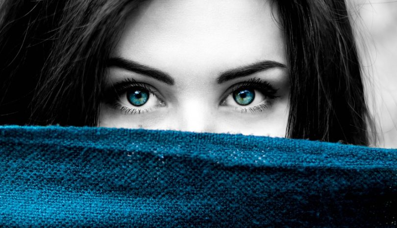 Which Color Contact Lenses Should You Wear?